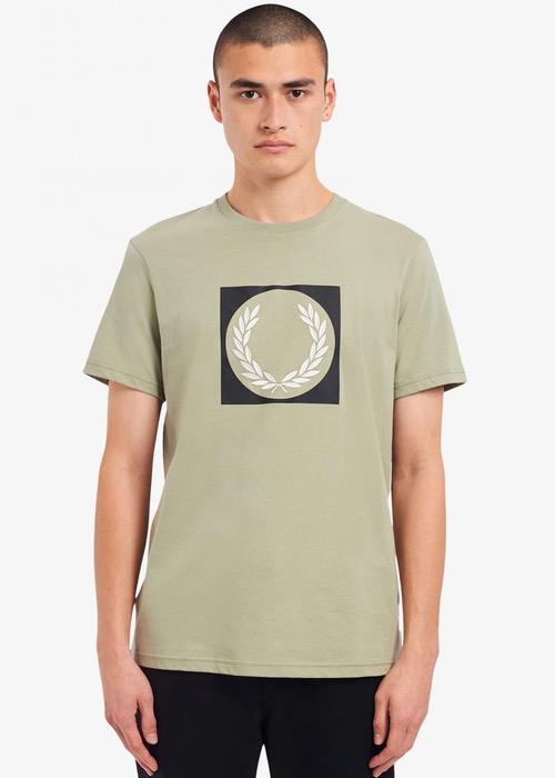 Camiseta Verde Dibujo Laurel 1
