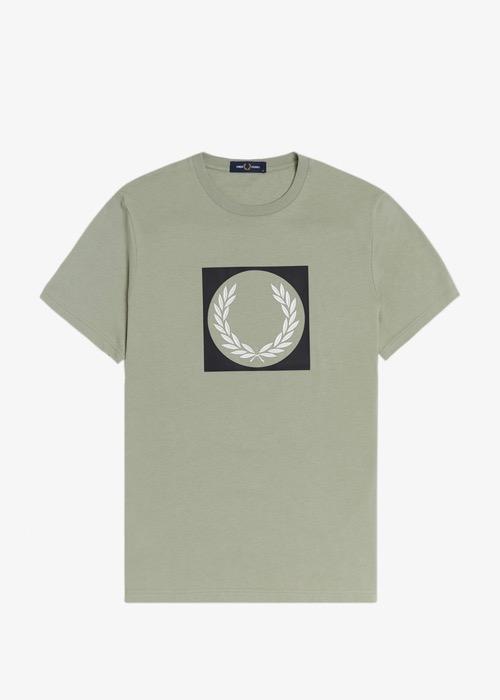 Camiseta Verde Dibujo Laurel 2
